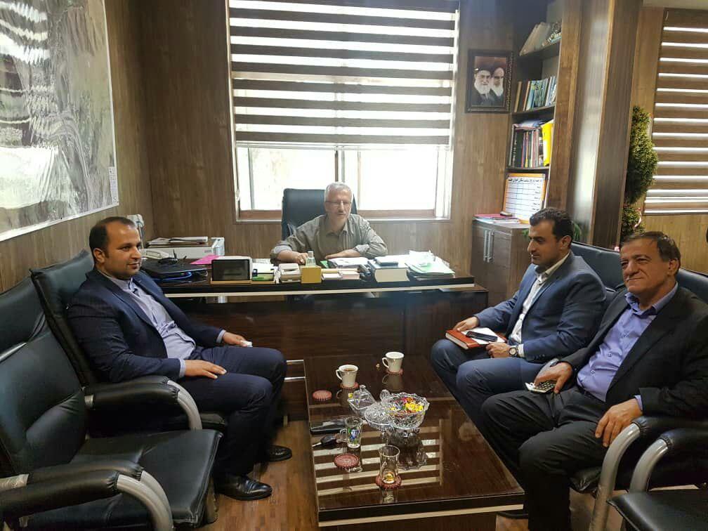 حسن پور رئیس بنیاد شهید و امور ایثارگران شهرستان رودبار، با سرپرست شهرداری،رئیس واعضای شورای شهر رودبار دیدار و گفتوگو کردند